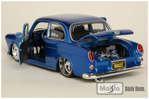 Maisto Volkswagen 1600 Notchback, All Stars #31042